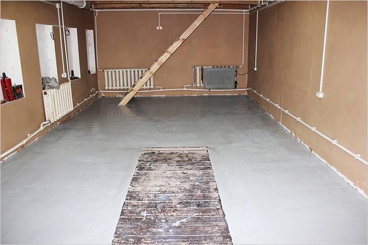 В гараже бетонный пол