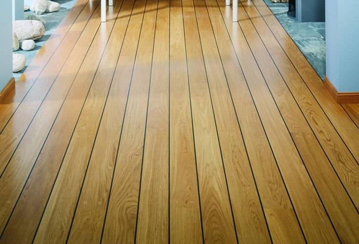 К квартире деревянный пол