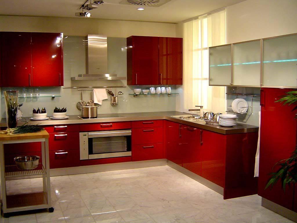 Красивый однотонный пол на кухне