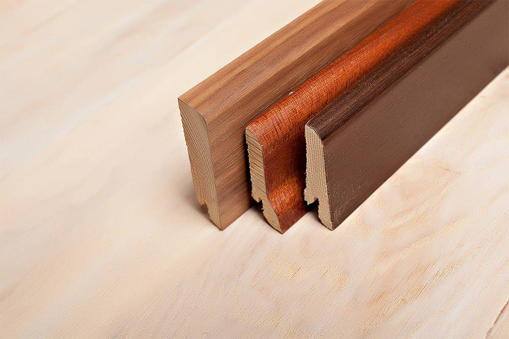 Плинтус деревянный в ассортименте